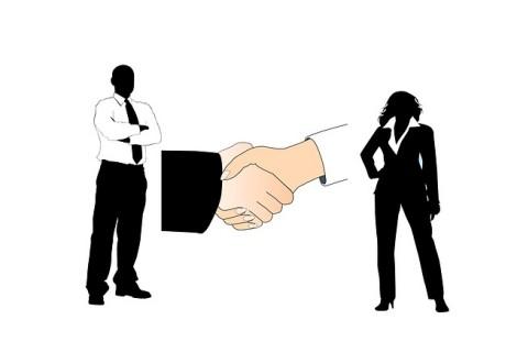 handshake-526408_640